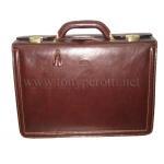 Кожаный портфель АРТ: 8022-I Tony Perotti